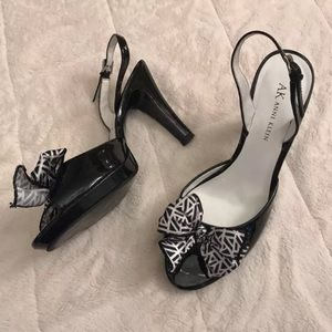 Leather sling back pumps with bows! 🎀